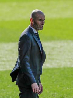 Foto de Zidane ilustra nota sobre que es pretendido por Juventus de Turín