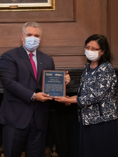 El programa 'Prevención y acción' del presidente Iván Duque fue premiado por la OMS y la OPS.