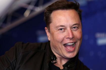 Elon Musk no cree en extraterrestres y desata ola de memes.