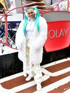 Karol G en la celebración de Acción de Gracias de Estados Unidos, en 2020, un año antes de revelar de dónde salió su nombre artístico.