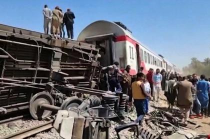 Foto del grave accidente de 2 trenes en Egipto, que dejó 32 muertos y 66 heridos
