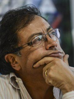 Gustavo Petro ilustra nota sobre opinión de Rodrigo Lara que dice que el exalcalde necesita al uribismo para ganar la presidencia