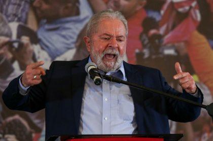 """Expresidente de Brasil Lula da Silva, quien culpó a Jair Bolsonaro del """"mayor genocidio de nuestra historia"""" por la covid"""