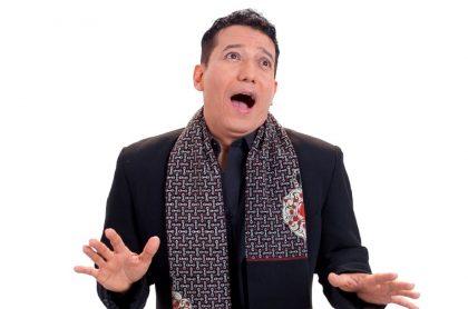 Gustavo Villanueva en 'Sábados felices', a propósito de anécdota que contó en el programa sobre chiste por el que compañera le dio cachetada.
