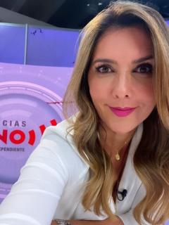 Mónica Rodríguez, de Noticias Uno, Andreína Solórzano, de Noticias Caracol, por premios India Catalina.