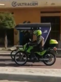 Policía se estrelló cuando conducía un mototaxi en Ciénaga, Magdalena.