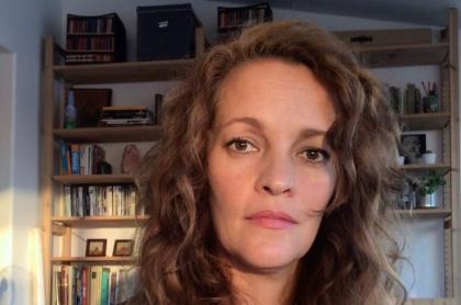 Alexandra Restrepo, actriz de 'Sábados felices' señala irregularidad en vacunación contra COVID-19 a su tío.
