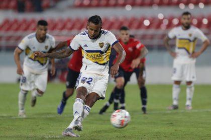 Penalti de Sebastián Villa en el partido de Boca Juniors vs Independiente
