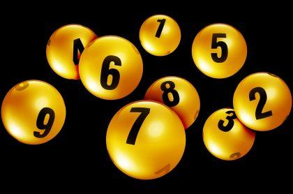 Balotas ilustran nota sobre los resultados de las loterías de Cundinamarca y Tolima del 29 de marzo, con premios y secos.