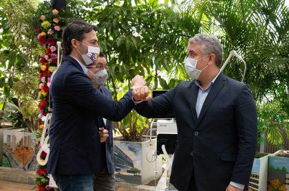 Daniel Quintero quiere crear la clínica Duque en Medellín. Evento de entrega de ventiladores, julio 2020.