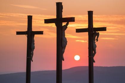 Foto de crucificción, a propósito de qué películas ver en Semana Santa