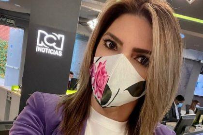 Selfi de Ana Karina Soto en RCN, a propósito de que ya explicaron por qué tuvo que ser operada de urgencia.