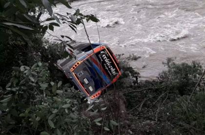 Bus accidentado en La Pintada