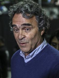 Sergio Fajardo, cuya imputación de cargos también fue rechazada por miembros del Centro Democrático