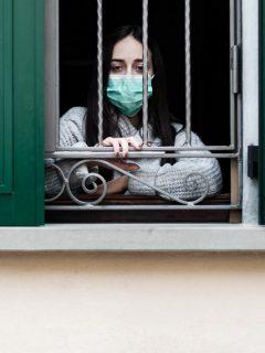 Médicos internistas piden volver a cuarentena en ciudades con altos contagios
