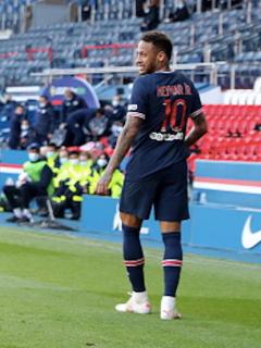 Neymar fue expulsado en el partido de este sábado.