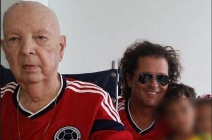 Carlos Vives y su padre, Luis Aurelio, que falleció este lunes en Santa Marta