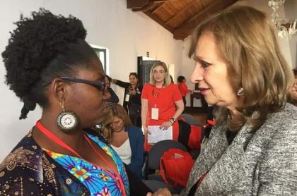 La lideresa social Francia Márquez y la congresista Ángela María Robledo.