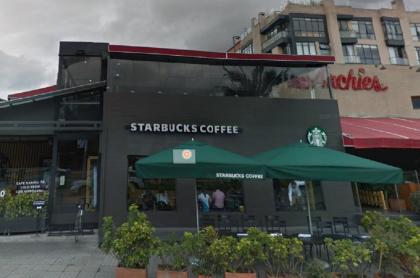 Starbucks de la 116, que fue atracado este lunes, en Bogotá.