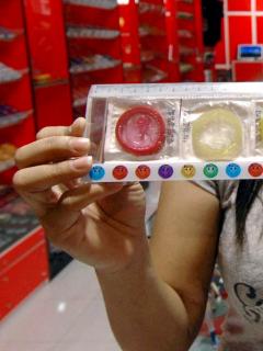 Imagen de paquete de condones ilustra artículo Condones en kit de carretera: recomendación de alcaldía de Cali