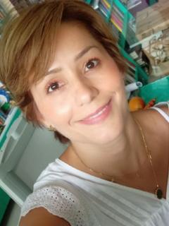 Selfi de Claudia Morales, periodista de El Espectador que dice tener COVID-19 y estar muy enferma.