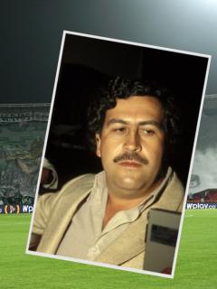 Pablo Escobar y estadio de fútbol con pancartas de Atlético Nacional, a propósito de que Juan Pablo Escobar, hijo del narcotraficante, dijo si su papá era el dueño de ese y otros equipos colombianos.