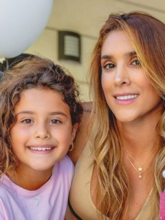 Foto de Salomé Rodríguez y Daniela Ospina, ilustra nota de video de Salome Rodríguez sorprende a su mamá, Daniel Ospina, al hacer esquí