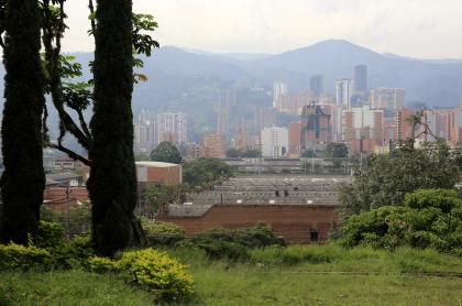 Foto de Medellín ilustra nota sobre pico y cédula en la ciudad