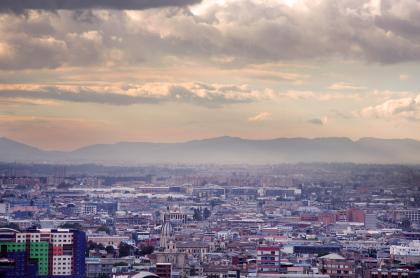 Foto de Bogotá ilustra nota sobre dióxido de azufre; qué es y más