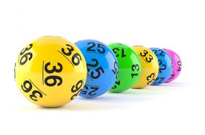 Balotas ilustran nota sobre resultados de Baloto del 14 de abril del 2021, qué números cayeron, premios y ganadores.