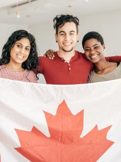 Canadá premiará a quienes se quedaron a cuidar enfermos en ese país.