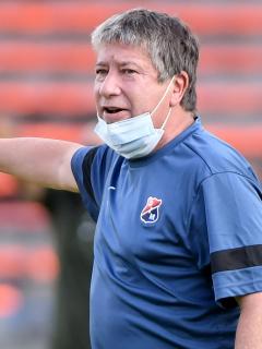 Bolillo Gómez, quien culpó a futbolistas del Medellín de hacer fiesta que produjo casos de COVID-19 en el equipo