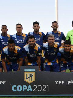 Foto de la plantilla de Boca Juniors ilustra nota sobre que Jorman Campuzano dio positivo de COVID-19