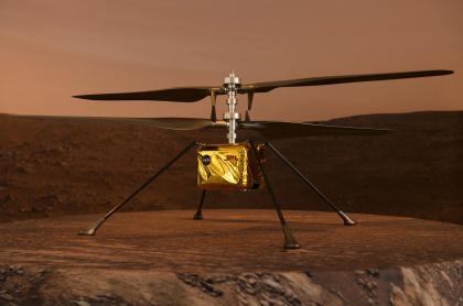 Un modelo a escala completa del helicóptero experimental Ingenuity Mars fue mostrado el 16 de febrero de 2021 en Pasadena, California.