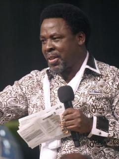 Pastor nigeriano Tb Joshua, a quien le cerraron su canal de YouTube por decir que cura la homosexualidad