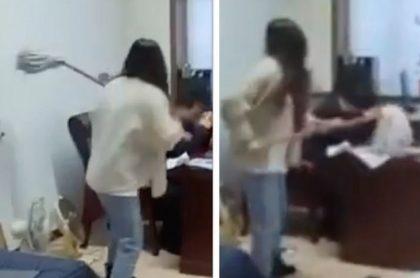 Una trabajadora en China golpeó a su jefe con un trapero porque este la acosaba a través de mensajes de texto inapropiados.