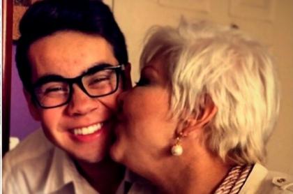 'La Gorda' Fabiola Posada en fotos con su hijo Nelson Polania Jr. y si esposo 'Polilla', a propósito de que se mostró orgullosa de que su hijo sea gay.