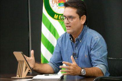 Gobernador del Meta, Juan Guillermo Zuluaga, sigue hospitalizado por coronavirus y en tratamiento
