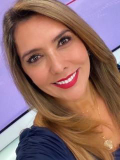 Mónica Rodríguez en Noticias Uno, ilustra nota sobre respuesta a si le gustan las mujeres y saldría con una, luego de que fan se le declarara y le hiciera invitación.