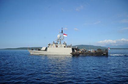 """La Marina de Indonesia informó que hallaron partes del submarino KRI Nanggala-402, desaparecido con 53 tripulantes, pero indicó que """"naufrago""""."""