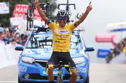Críticas a RCN y elogios a Señal Colombia por transmisión en Vuelta a Colombia. Foto de Darwin Atapuma, ganador del día.