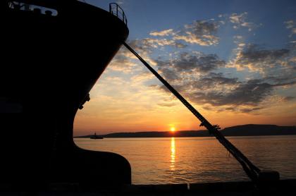 Imagen de barco atracado ilustra artículo Tripulación de submarino de Indonesia canta semanas antes de la tragedia