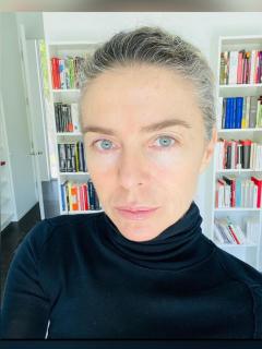 Foto de Margarita Rosa de Francisco, a propósito de su hermana Adriana de Francisco, que es poco conocida
