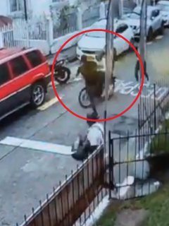 Captura de video del denominado Jackie Chan colombiano que frustró un robo en Pereira