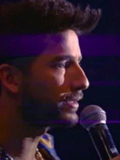 Imágen de Carlos Torres interpretando a 'Charly Flow' en 'La reina del flow'.