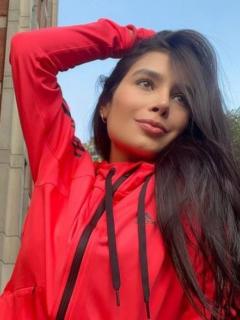 María Jara, hermana de Paola Jara, saca suspiros con fotos en vestido de baño