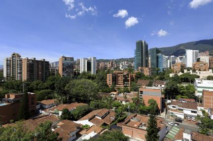 Foto de Medellín ilustra nota sobre toque de queda y más medidas
