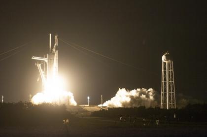 SpaceX: nave de Elon Musk regresó a la tierra con cuatro astronautas