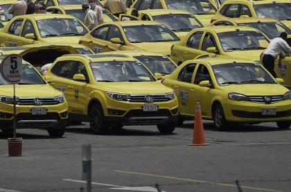 Taxistas en Colombia, que celebran que se hundió proyecto de ley para regular plataformas de transporte