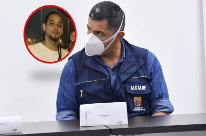 Nicolás Guerrero, joven que murió en protesta de Cali, y alcalde Jorge Iván Ospina, que es familiar del joven
